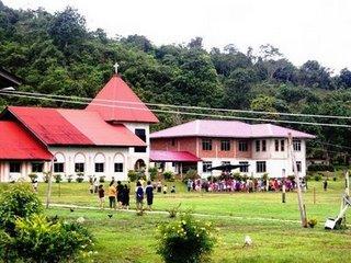Gedung Gereja dan rumah pastor SIB Long Tanid