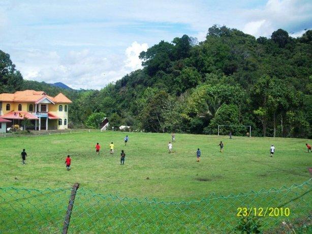 XMAS FOOTBALL 2010