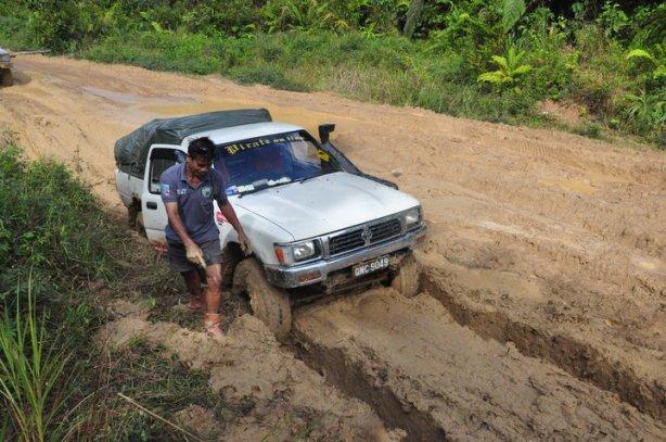 Keadaan Jalanraya dikawasan di Long Semadoh-Bakelalan